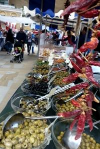 eat_wear_wander_olives