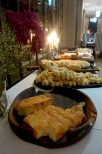 eat_wear_wander_bread