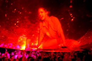 eat_wear_wander_fuerzabruta5